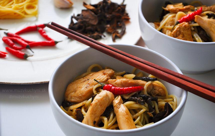 Azijská kuchyňa, čína, čínske nudle, rezance, kuracie prsia, sušené huby recept