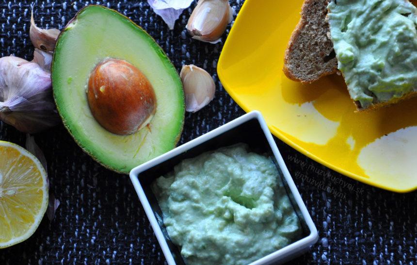jednoduché, zdravé, rýchle raňajky, naozaj jednoduchá avokádová pomazánka,