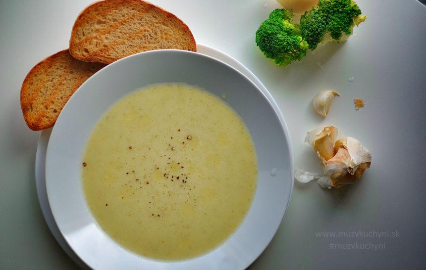 brokolicová polievka, bez múky, bez bujónu, lahodná, rýchla, chutná, večera, fitrecept, fitness recept, recept