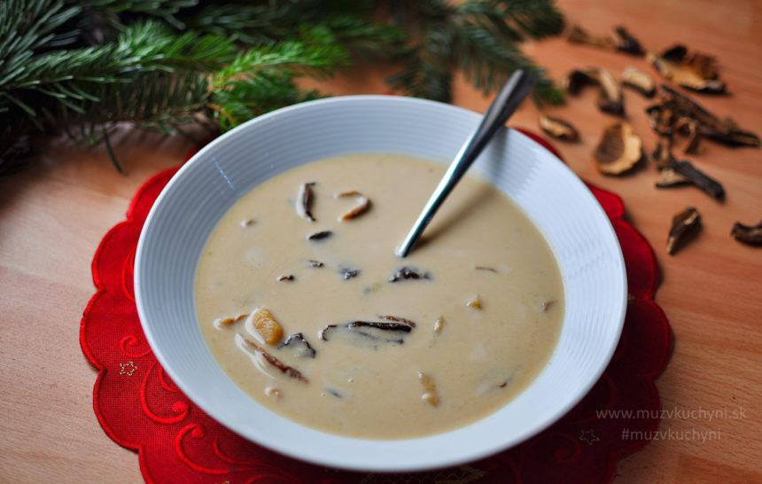 vianočná, hríbová, hubová, krémová, polievka, obed, recept, lahodná,