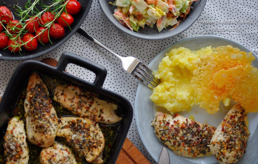 kurací steak, recept, parmezán, marináda, chilli, coleslaw, zemiaková kaša